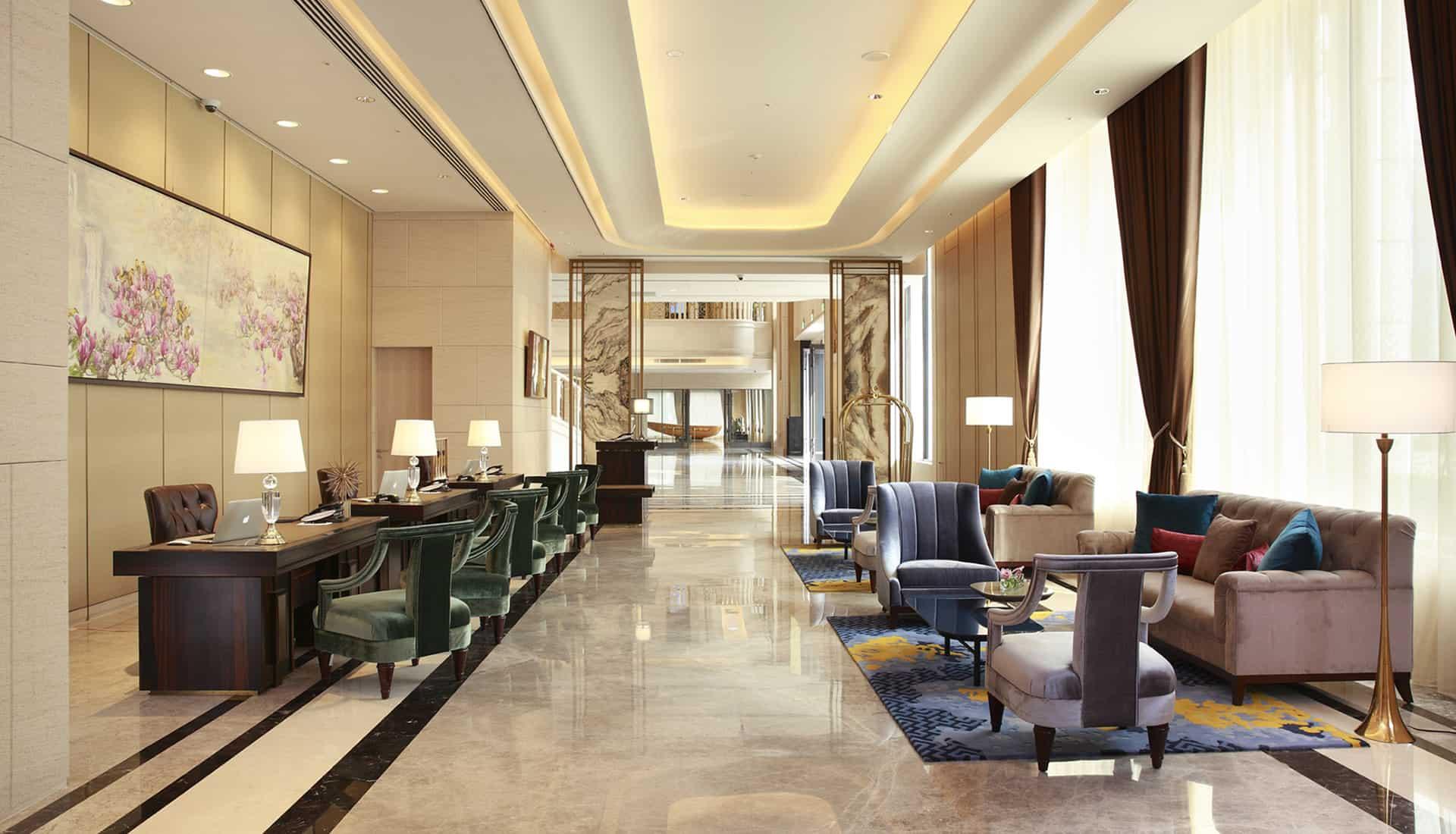 台北美福大飯店大廳旁會客空間
