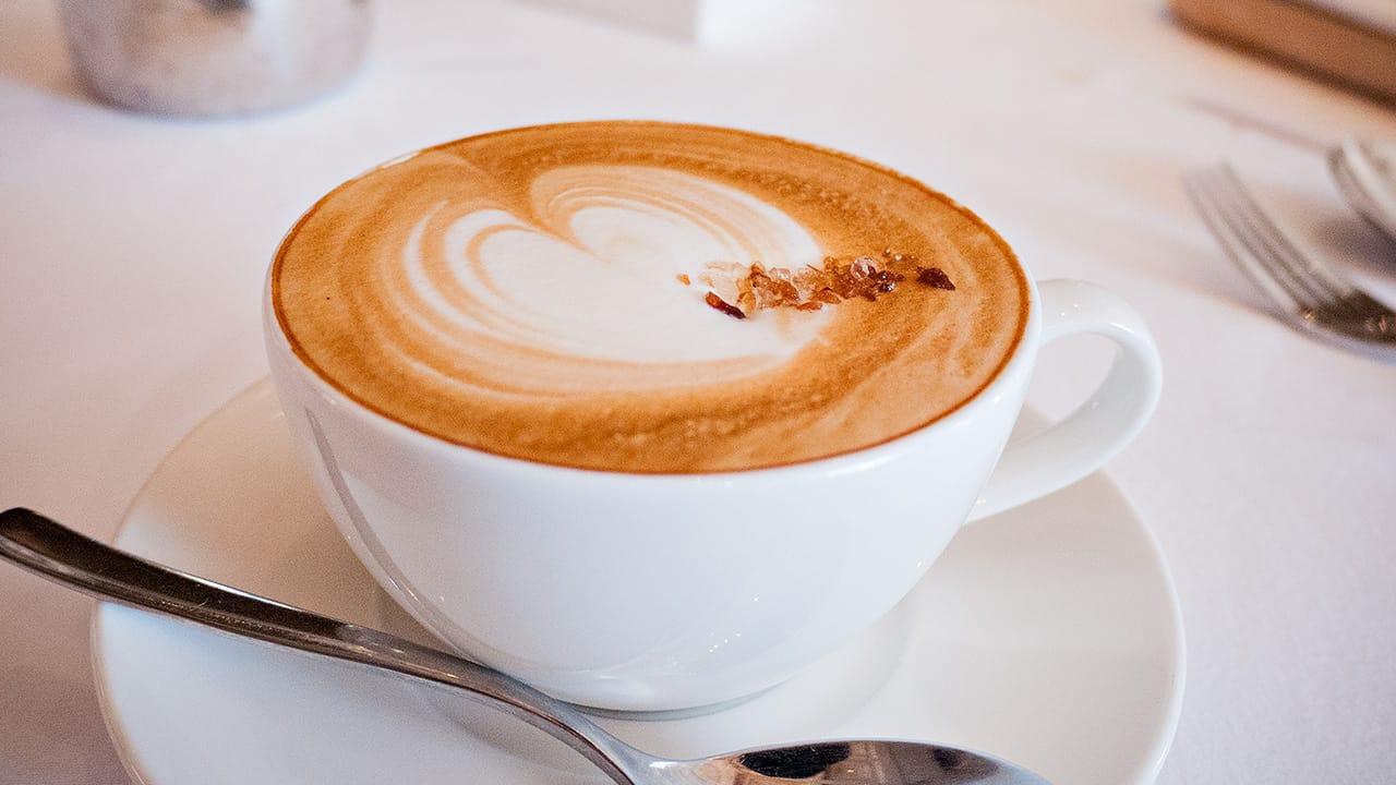 台北美福大飯店GMT義法餐廳自製季節甜點拿鐵咖啡